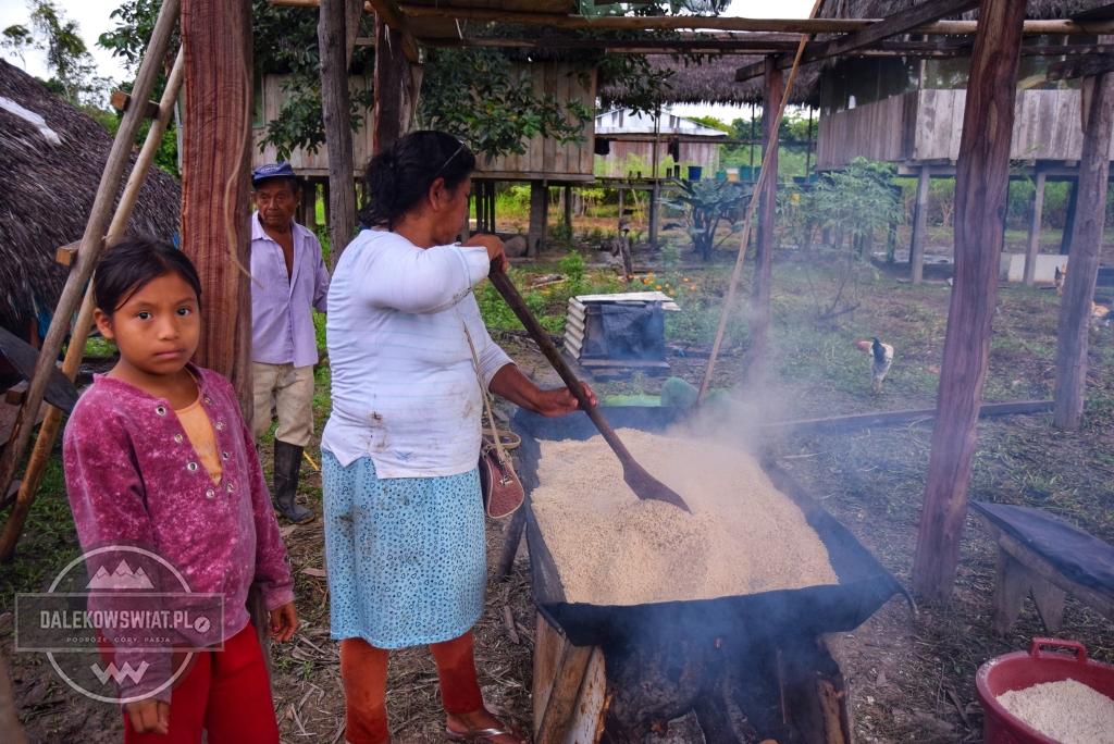 Prażenie manioku